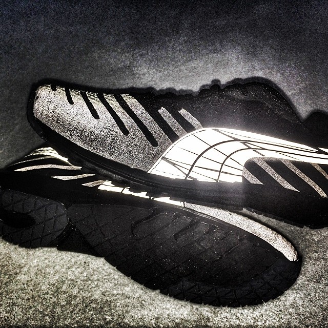 And new Faas 300 Nightcat, shoe is all black until light flashes on it... So cool for low light condition running...